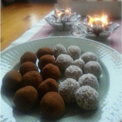 Lucka 2: recept på goda och lite nyttigare rawbollar